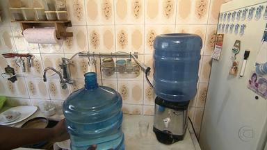 Lei obriga a troca de garrafões de água mineral vencidos - Consumidores devem ficar atentos ao comprar o produto