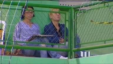 Xuxa acompanha jogos da filha em Jambeiro (SP) - Apresentadora esteve na cidade no último feriado prolongado.