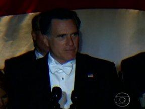 Barack Obama e Mitt Romney deixam disputa de lado e jantam juntos - Numa tradição de mais de 60 anos, Barack Obama e Mitt Romney suspenderam por algumas horas a acirrada campanha eleitoral americana para jantar juntos e contar piadas nesta quinta (18).