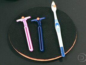 Objetos cortantes podem transmitir hepatite C - Escovas de dente, barbeadores, agulhas e alicates não devem ser compartilhados. O oncologista Paulo Hoff explica que a causa mais comum de transmissão do vírus é o compartilhamento de seringas.