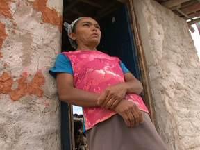 Mães de famílias pobres são alvo de quadrilha que atua no tráfico de crianças - A região de Monte Santo foi escolhida por uma quadrilha que há mais de cinco anos atua no tráfico de crianças. Mulheres foram enganadas por agenciadores e nunca mais viram os filhos.