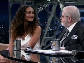 Débora Nascimento interpretou a Tessália, da novela Avenida Brasil - Sua beleza foi o passaporte para participar da produção norte-americana The Incredible Hulk, como uma amiga do protagonista que o ajudava a fugir.