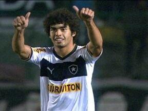Botafogo vence mais uma e volta a sonhar com Libertadores - Alvinegro venceu o Figueirense por 2 a 0, nesta quarta-feira.