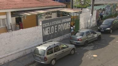 Escolas danificadas durante temporal passam por manutenção para Enem, em Manaus - Escolas danificadas durante temporal passam por manutenção para Enem, em Manaus. Muitas unidades de ensino foram destelhadas.