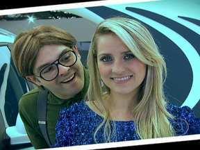"""""""Tímido"""" tenta se dar bem com as belas do Salão do Automóvel - Tirar fotos e conseguir conversar com as mulheres dos estandes é tão difícil quanto ver os carrões no Salão do Automóvel de São Paulo."""