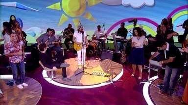 Chiclete com Banana canta ' 100 % Você' - Música é um grande sucesso do grupo baiano