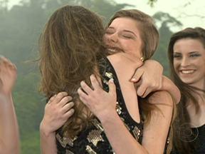 Semifinalistas do 'Menina Fantástica' da Região Sul passeiam nas Cataratas do Iguaçu - As dez semifinalistas da Região Sul tiveram as Cataratas do Iguaçu como cenário para o desfile que definiu as duas garotas que vão para a fase final do concurso.