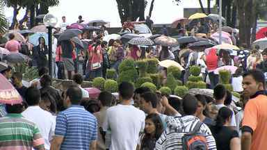 Candidatos fazem vestibular PUC Minas na Grande BH - Dezesseis mil candidatos fizeram as provas.