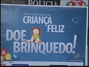 Polícia Civil arrecada brinquedos para campanha de Natal em Araçatuba, SP - A Polícia Civil de Araçatuba (SP) está arrecadando brinquedos para uma campanha de Natal. Diversos pontos estão sendo diponíveis para a arrecadação. Confira como participar.