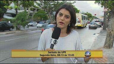 Feras encaram segundo dia de provas do seriado da UPE - Mais de dez mil estudantes participam da terceira fase do exame da Universidade de Pernambuco, que termina nesta segunda.