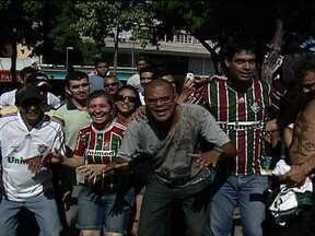 Cafezinho com o Escobar: torcedores comemoram o tetracampeonato do Fluminense - Alex Escobar conversa com tricolores sobre o quatro título da competição nacional conquistado com três rodadas de antecedência.