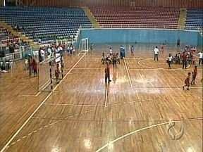 Festival esportivo agita estudantes de Londrina - Previsão é que 1,5 mil alunos da rede municipal participem dos jogos até o último dia.
