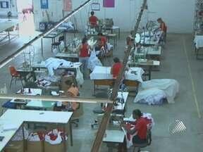Empresário aumenta lucro da empresa ao ajudar dezenas de família - Confira a segunda reportagem da série do Bahia Meio Dia sobre o empreendedorismo.