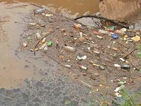 Alerta para riscos de alagamentos durante as chuvas em Cuiabá - A maior atenção é em áreas cortadas por córregos. Em Cuiabá, são 18 ao todo e apenas cinco são canalizados. Os sem proteção acabam assoreados pelo lixo jogado de forma irregular.