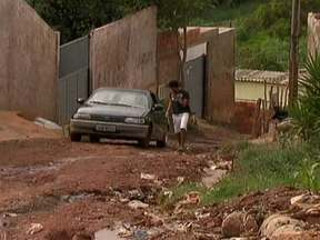 Famílias continuam em áreas de risco em Vicente Pires - Essas áreas estão na Vila São José, na Colônia Agrícola Vicente Pires e na Colônia Agrícola Samambaia. Alguns dizem que não tem para aonde ir e outros acham que o perigo não é tão grande.