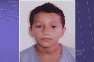 Em Santa Inês, um adolescente foi morto quando caminhava pela Praça da Matriz - Segundo testemunhas, não houve discussão entre a vítima e o assassino.