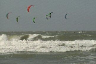 São Luís sedia 1º Etapa do Campeonato Brasileiro de Kitesurfe - Competição reúniu cerca de 70 atletas. Na categoria regata, Paraíba levou a melhor com Nayara Licarião.