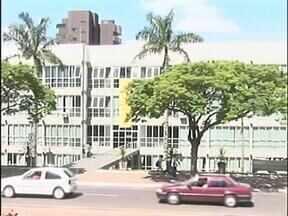 Moradores de Umuarama vão pagar IPTU mais caro em 2013 - A prefeitura anunciou um reajuste de 5,35% no imposto para o ano que vem.