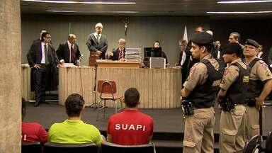 Julgamento de acusados de matar torcedor é adiado em Belo Horizonte - Defesa e promotor pediram adiamento do júri.