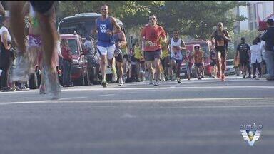Jogadores incentivam torcedores para a corrida Santos Run - Prova de pedestrianismo acontece no dia 25 de novembro.
