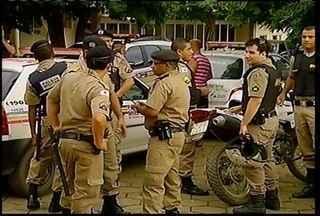 Polícia Militar de Montes Claros realiza operação 'Fecha Batalhão' - A operação, segundo a PM, consiste em colocar os policiais que trabalham em cargos administrativos da Polícia em trabalhos estratégicos de combate ao crime na cidade.