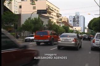 Trânsito muda na rua Alfredo Chaves, em Caxias do Sul - A partir das nove da manhã de quarta-feira, tráfego entre as ruas Os Dezoito do Forte e Sinimbu será no sentido bairro-centro.