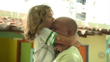 Paulo luta para ter a guarda compartilhada da filha - Na justiça, as coisas não correram como ele esperava