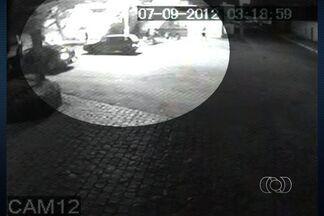 Polícia prende suspeitos da morte de três travestis em Aparecida de Goiânia - Crime aconteceu em setembro deste ano, na região dos motéis.