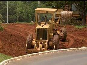 Obras das agulhinhas estão atrasadas - As novas agulhinhas, pistas que vão dar acesso ao Eixão, estão com obras atrasadas. A previsão era de que fossem entregues em outubro, mas o governo acredita que só consiga terminar no fim de dezembro.