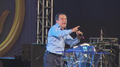 No Recife, congresso cristão promove fim de semana de reflexão - Avivamento Despertai acontece no Centro de Convenções, em Olinda. Pastor Silas Malafaia é um dos participantes.