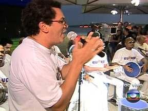 Começa aquecimento para o Trem do Samba no quiosque da Globo Rio - No quiosque da Globo Rio, em Copacabana, tem samba de primeira e de graça. É um aquecimento para o Trem do Samba, que começa na quinta-feira (29) e vai até sábado (1). É a 17ª edição do evento.