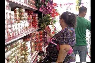 Artigos natalinos estão mais caros no comércio - Comércio tem expectativa de crescimento nas vendas de Natal.
