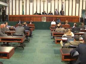 Assembleia Legislativa aprova projeto que reajusta salários dos professores estaduais - Pelo projeto, o aumento só será dado aos que forem promovidos através de um curso de atualização.