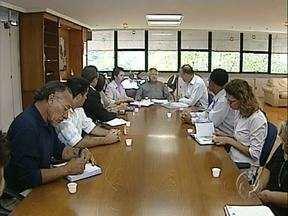 Comissão cobra mais agilidade na abertura da UPA da zona Oeste - O grupo esteve no gabinete do prefeito de Londrina, Gerson Araújo, para pedir que o processo de compra de materiais seja mais rápido.
