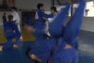 Judocas goianos se preparam para a disputa das Olimpíadas Escolares - Competições serão em Cuiabá-MT.