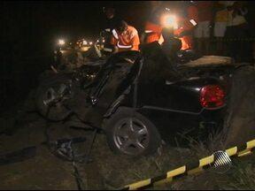 Quatro pessoas morrem em acidente na BR-116 Sul - O acidente foi perto da cidade de Santo Estevão, região de Feira de Santana.