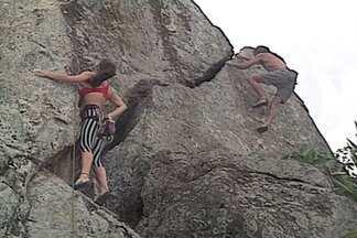 Baú do EE: Em 1995, alpinismo urbano é sucesso no Rio de Janeiro - A cidade é o maior centro de montanhismo do mundo, com mais de mil opções