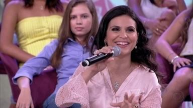 Pai de Aline Barros não queria que a cantora casasse - Cantora aconselha que as mulheres esperem o momento certo para casar