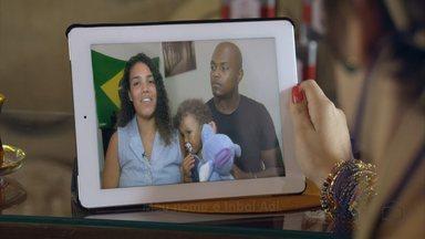 Inbal Adiv Gabriel procura sua família no Rio de Janeiro - Traficada recém-nascida, ela espera encontrar sua mãe, Margarida Cardoso.