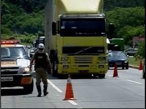 Começou a Operação de Natal em todas as estradas que cortam Minas Gerais - Começou a Operação de Natal em todas as estradas que cortam Minas Gerais. A expectativa é de queda no número de acidentes no Vale do Aço.