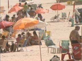 Com o verão, turistas começam a chegar ao litoral de Santa Catarina - Turistas começam a chegar ao litoral de Santa Catarina