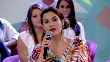 Gilmelândia canta 'Tocando em frente' - Baiana abre o Encontro com música sobre recomeço