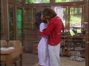 Paco beija Preta - Ela garante que odiaria Paco, se ele estivesse vivo e mentido para ela