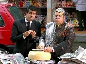 Confira a íntegra de Os Caras de Pau, programa de 06/01 - Pedrão e Jorginho tentam descobrir como foram parar num balão
