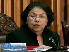 Hugo Chávez começa novo mandato sem tomar posse na Venezuela - Dia 10 de janeiro vai marcar o início de um novo mandato de Hugo Chávez, sem o presidente. O Supremo Tribunal de Justiça não considerou a ausência. Já a oposição disse que o Tribunal deu uma interpretação para resolver um problema do governo.
