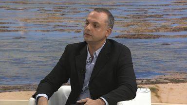 Mal de Alzheimer atinge 700 mil pessoas no Brasil - Denis Melo, Médico Geriatra, traz esclarecimentos sobre a doença.