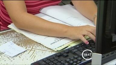 Prefeitura de Taubaté (SP) começa a dispensar servidores temporários - Cartas serão enviadas aos contratados sem concurso a partir desta sexta-feira (11).
