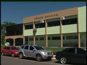Aprovação na Câmara Municipal reajusta salários em até 100% - Nesta quinta-feira (10) vereadores e eleitores falaram sobre a decisão de aumentar os salários do legislativo e do executivo em Guarapuava.