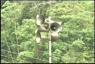 Teste de sirenes é cancelado em Teresópolis, Região Serrana - Defesa Civil cancelou teste por conta da chuva fraca.Cerca de 24 sirenes seriam acionadas.