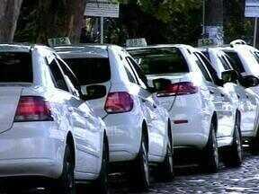 Ministério Público de Contas determina suspensão do serviço de táxi em Rio Grande, RS - A alegação é que não há legislação municipal para regular o serviço na cidade.